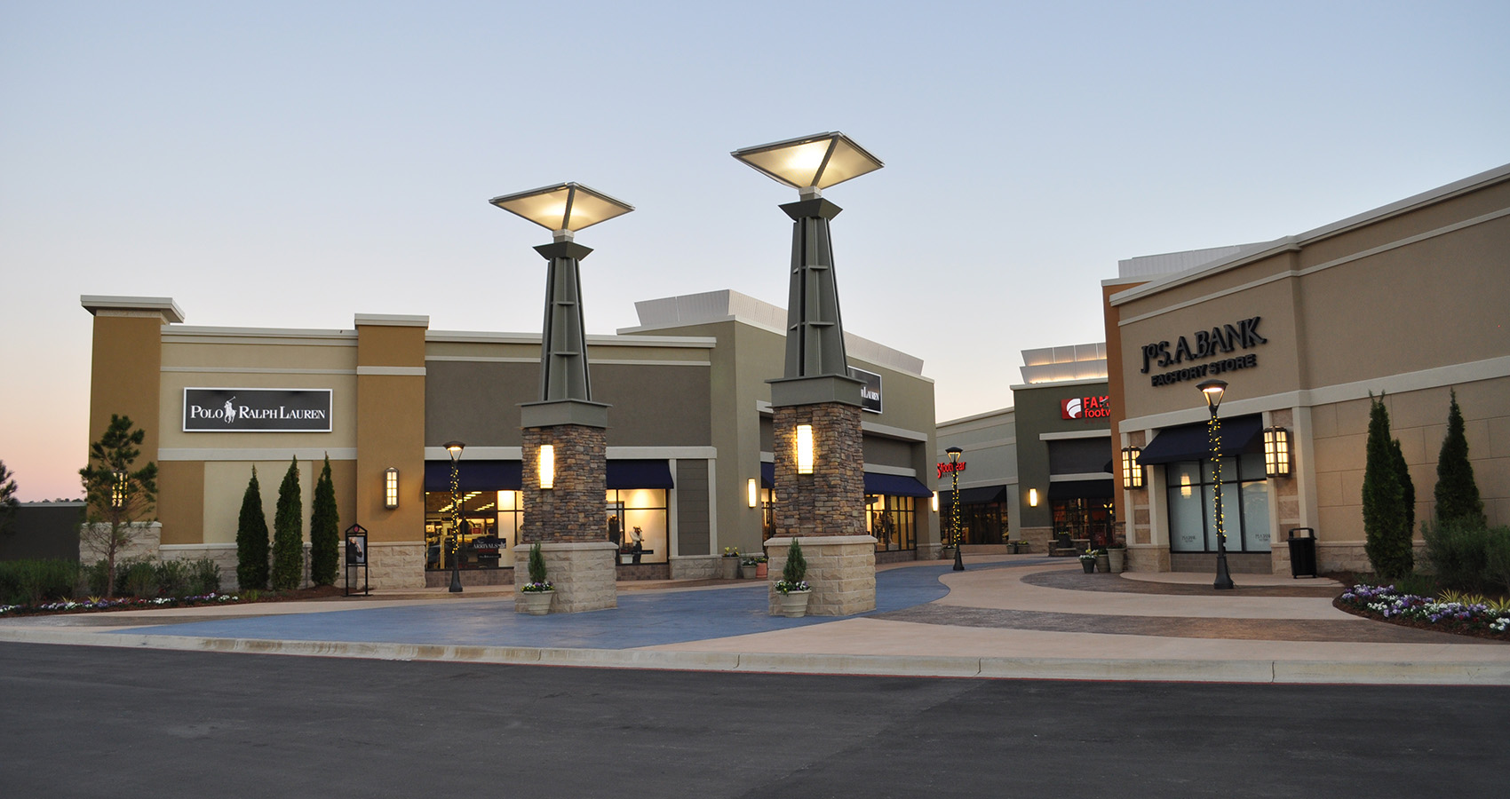 Daniel Corporation - The Outlet Shops of Grand River