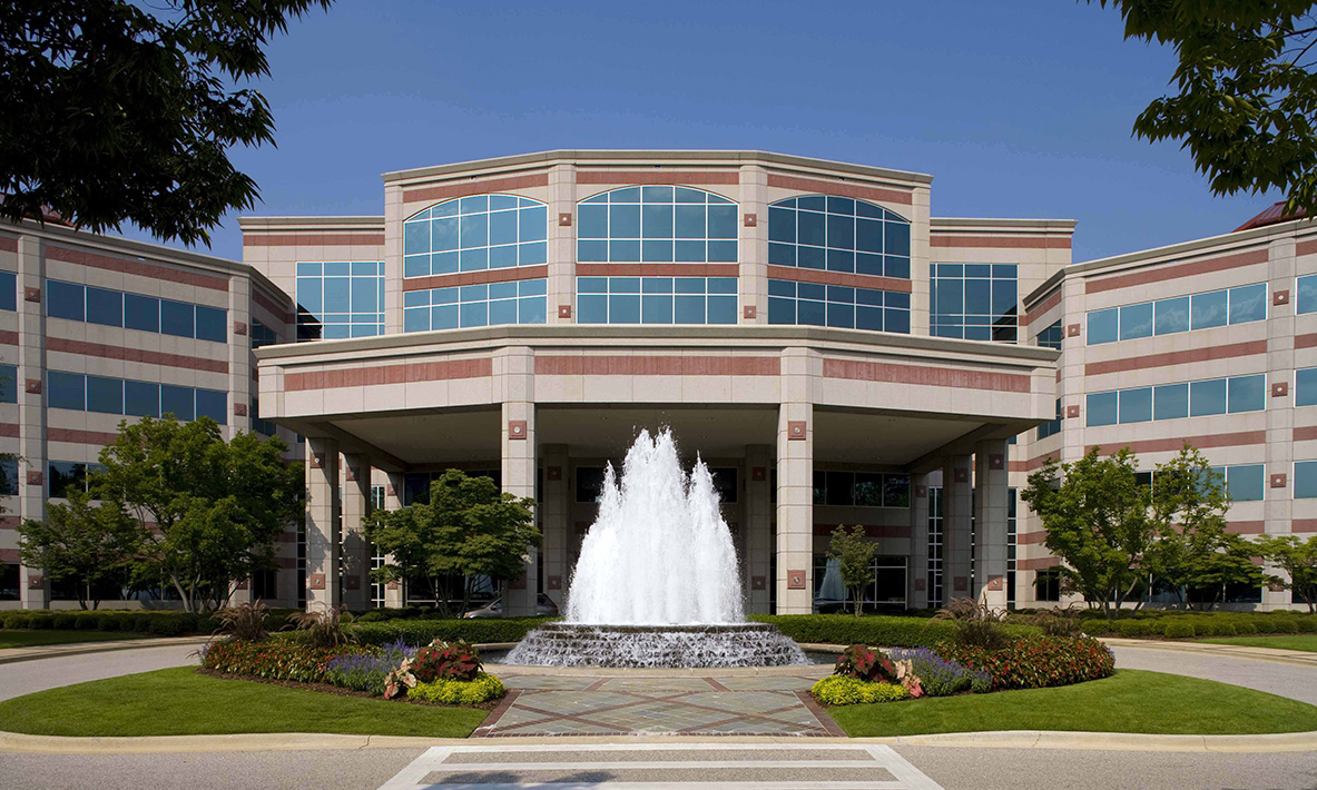 Book Grand View Plaza Inn & Suites in Grandview Plaza ...